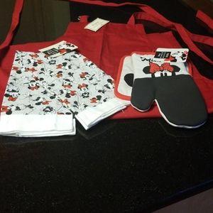 Minnie Mouse Kitchen Towel/Mitt & Pot Holder